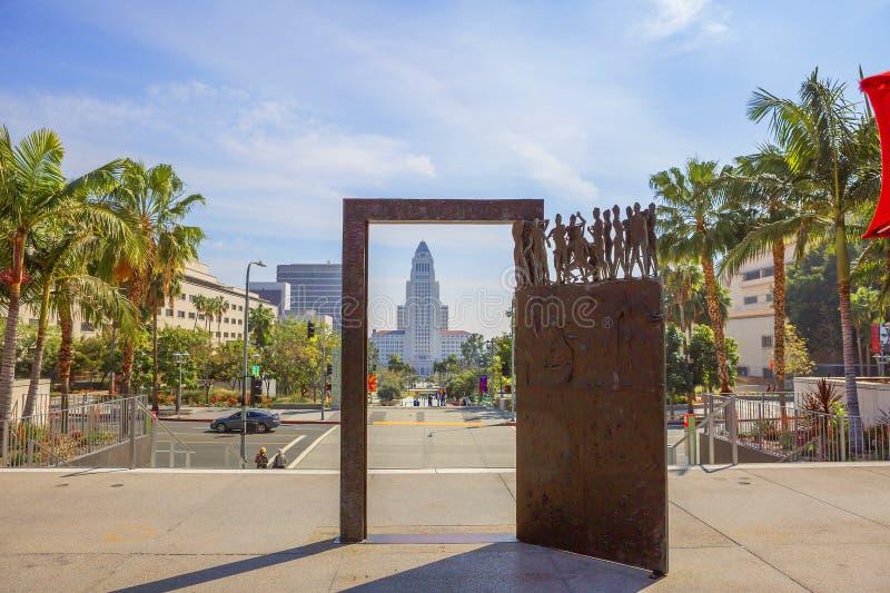 Los Angeles, Etats-Unis, 2016 : 2h28, parc grand et ville hôtel à Los Angeles du centre image libre de droits