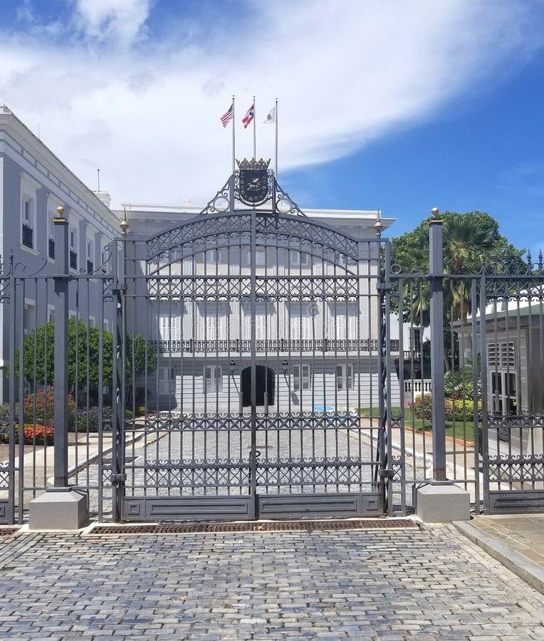 Los Angeles Fortaleza & x28; Fortress& x29; jest oficjalna rezydencja Gov obrazy royalty free