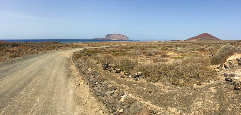 Los Angeles Graciosa, 4x4, z drogi, pustynia, wulkan krajobrazowy, powulkaniczny, droga gruntowa, z drogi, bada, Lanzarote, wyspy obraz stock