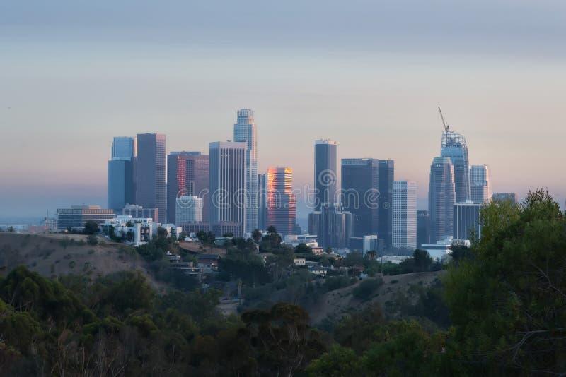 Los Angeles horisont från elyseiskt parkerar royaltyfri bild
