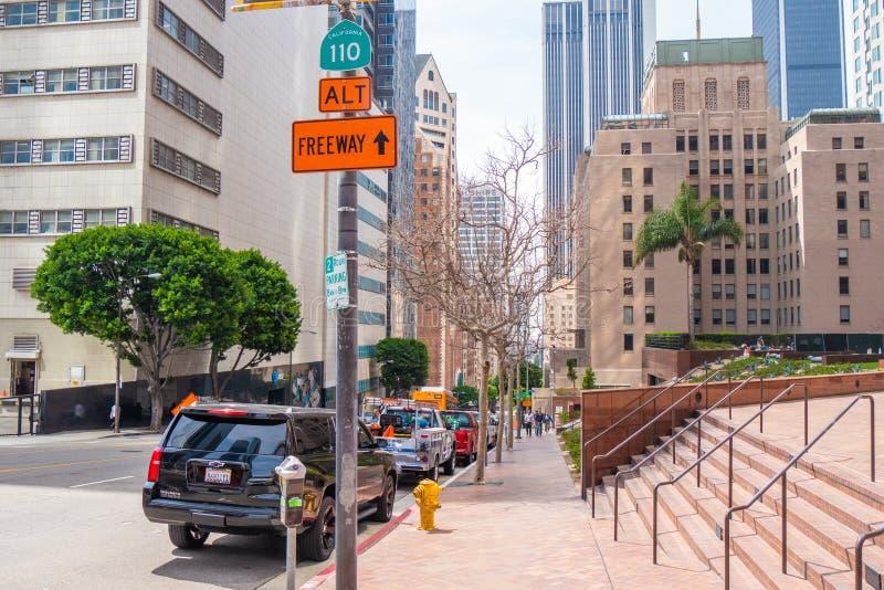 Los Angeles i stadens centrum gatasikt - KALIFORNIEN, USA - MARS 18, 2019 fotografering för bildbyråer