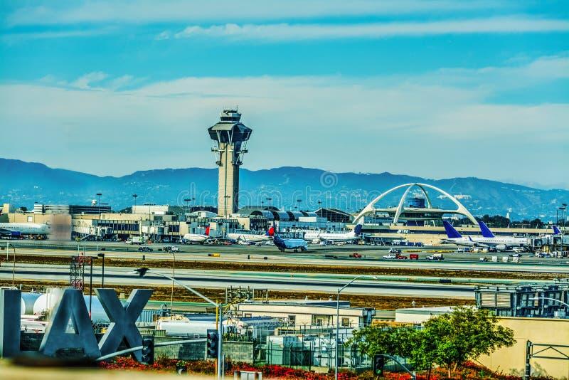 Los Angeles internationell flygplats på en molnig dag arkivfoto