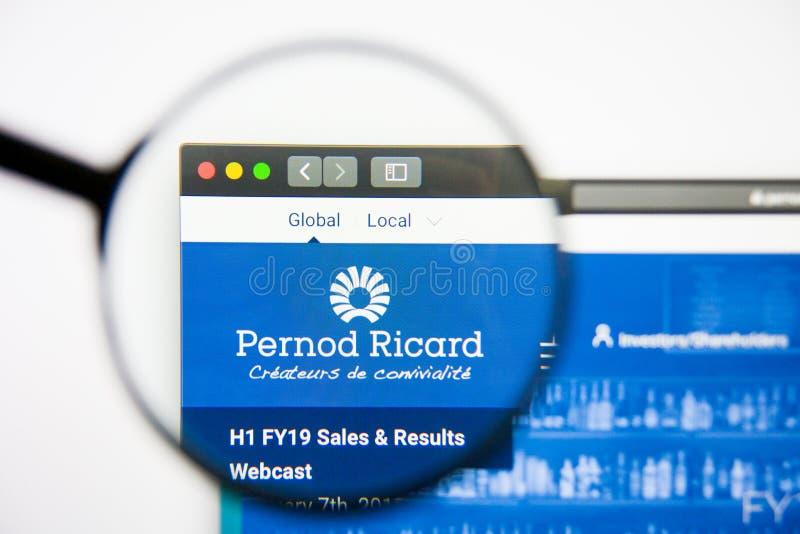 Los Angeles, Kalifornia, usa - 28 2019 Luty: Pernod Ricard strony internetowej homepage Pernod Ricard logo widoczny na pokazie zdjęcia royalty free