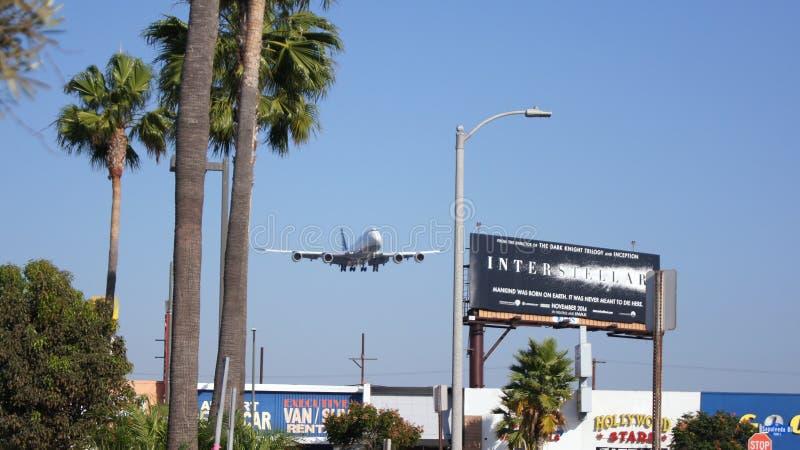 LOS ANGELES, KALIFORNIA, usa - OCT 9th, 2014: Lufthansa Boeing 747-8 MSN 37839 D-ABYP pokazywać lądować przy króko przedtem obraz stock