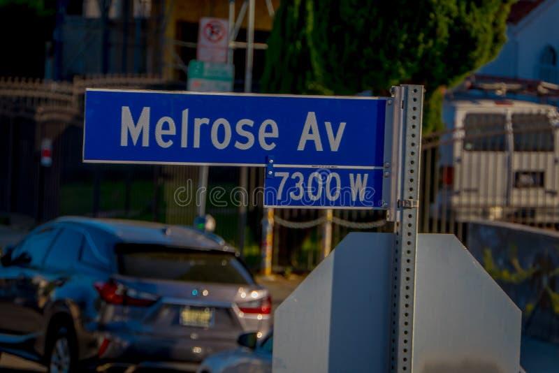 Los Angeles, Kalifornia, usa, SIERPIEŃ, 20, 2018: Plenerowy widok Melrose alei znak z drzewkami palmowymi w Hollywood obraz royalty free