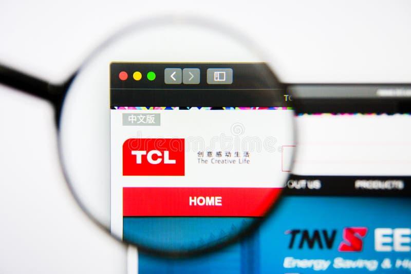 Los Angeles, Kalifornia, usa - 25 2019 Styczeń: TCL Corp strony internetowej homepage TCL Corp logo widoczny na pokazu ekranie zdjęcie royalty free