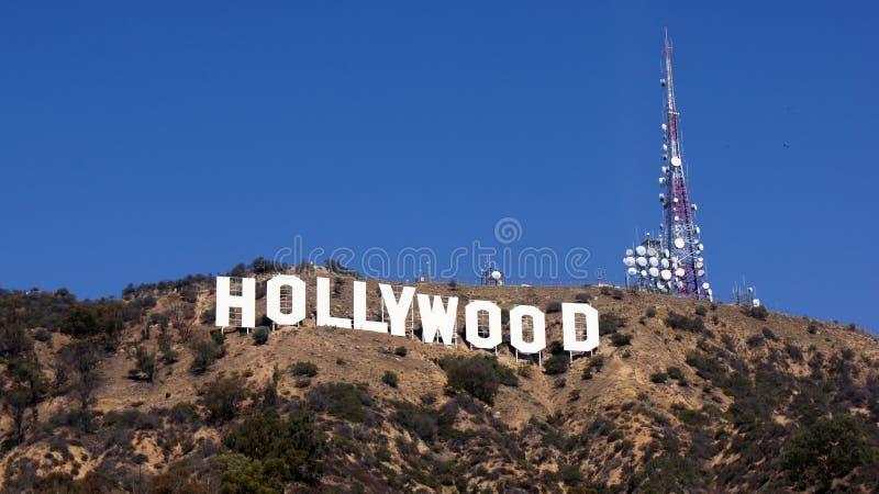 LOS ANGELES, KALIFORNIEN - 11. OKTOBER 2014: Der weltberühmte Markstein Hollywood-Schriftzug Es wurde als Anzeige geschaffen lizenzfreie stockfotografie