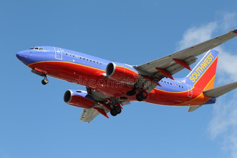 Southwest Airlines Boeing 737-7H4 royaltyfri foto