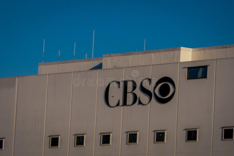 Los Angeles, la Californie, Etats-Unis, AOÛT, 20, 2018 : Logo de CBS sur un bâtiment à Los Angeles, la Californie photos libres de droits