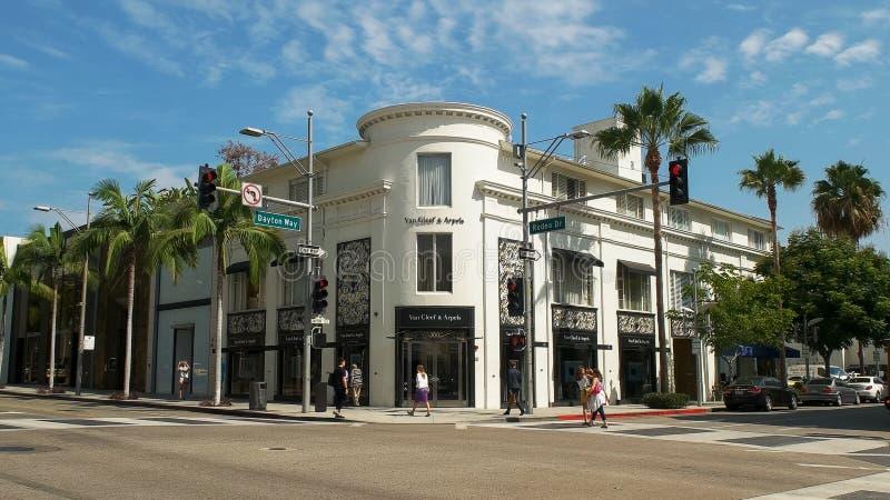 LOS ANGELES, LA CALIFORNIE, ETATS-UNIS - 25 AOÛT 2015 : vue large de la clef de fourgon et du magasin d'arpels sur la commande de photo stock