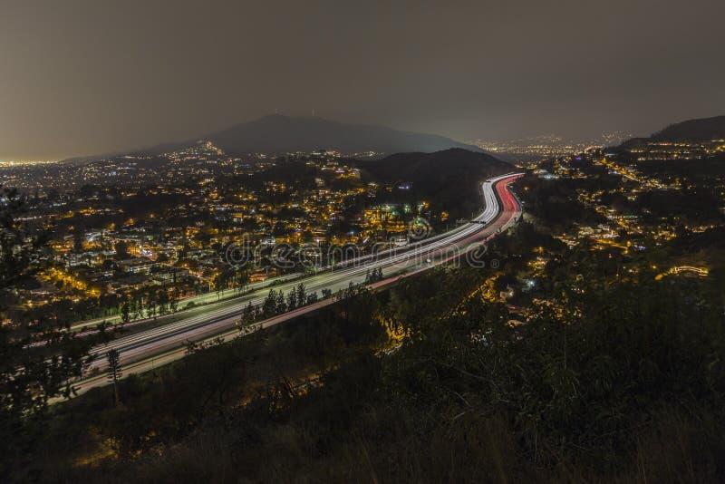 Los Angeles-Nachtansicht von Glendale-Autobahn lizenzfreies stockbild
