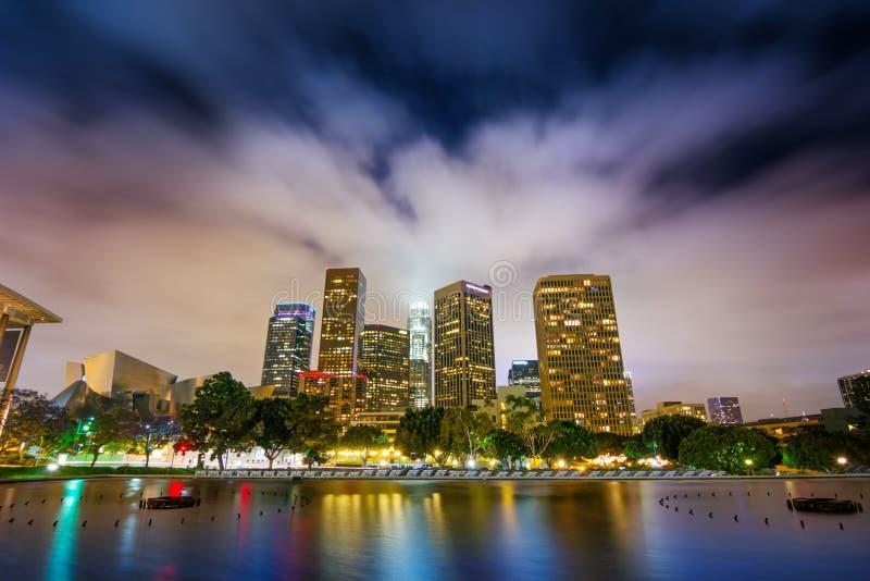 Los Angeles nachts lizenzfreie stockfotos
