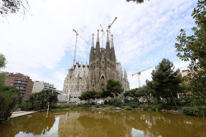 Download Los Angeles Sagrada Familia, Projektujący Antoni Gaudi W Barcelona, Obraz Stock - Obraz złożonej z budynek, kościół: 41950725