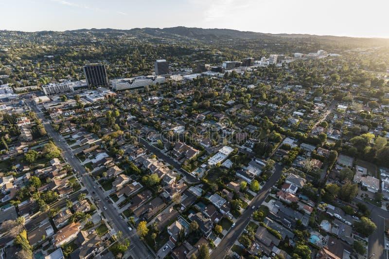 Los Angeles Sherman Oaks och Encino eftermiddagantenn royaltyfri bild