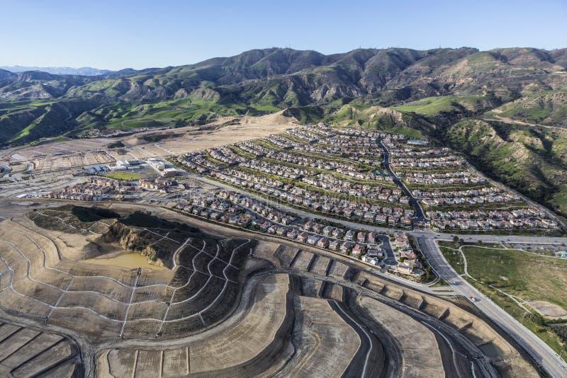 Los Angeles stadstillväxt i Porter Ranch royaltyfri foto