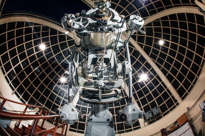 LOS ANGELES USA - December 2016: En bedöva sikt av en refraktor för 12-Inch Zeiss på Griffith Observatory fotografering för bildbyråer