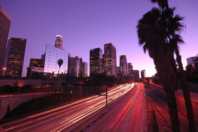 Los- Angelesim stadtzentrum gelegene Skyline stockbilder