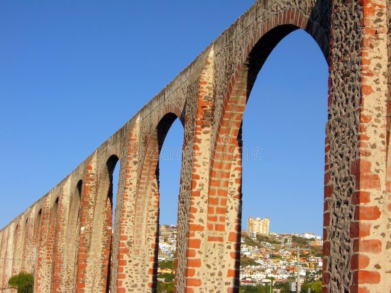 Los Arcos em Queretaro, México. imagens de stock royalty free