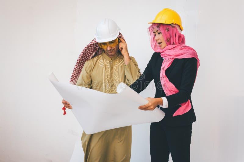 Los arquitectos árabes están planeando nuevo proyecto fotografía de archivo