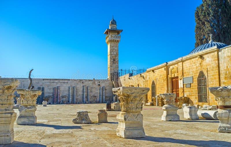 Los artefactos arqueológicos en la Explanada de las Mezquitas imagenes de archivo