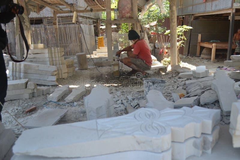 Los artesanos de la piedra sepulcral fotografía de archivo libre de regalías