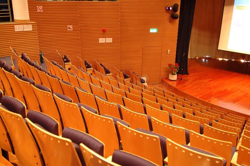Los asientos del teatro imágenes de archivo libres de regalías