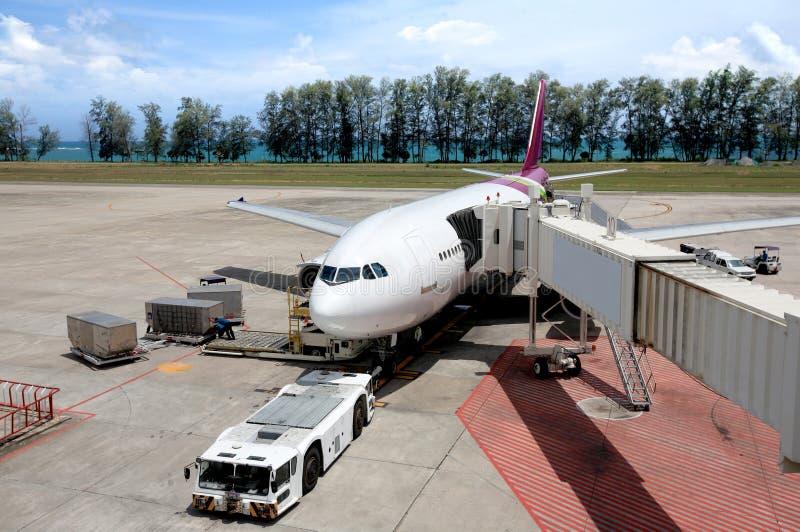 Los aviones estacionaron en el aeropuerto fotos de archivo libres de regalías