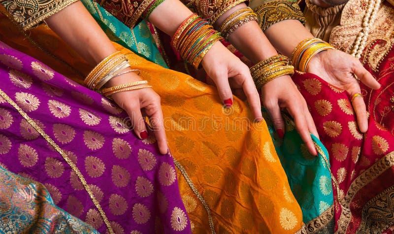 Vestido de los bailarines de Bollywood imágenes de archivo libres de regalías