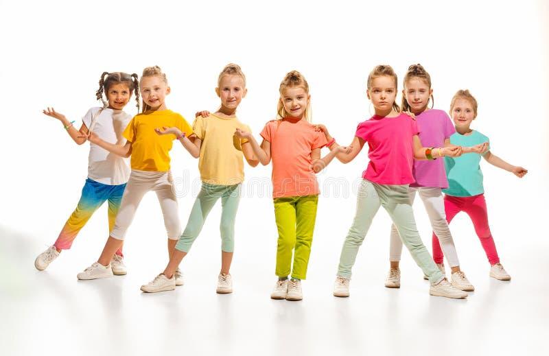 Los bailarines de la escuela de danza de los niños, del ballet, de hiphop, de la calle, enrrollados y modernos imagen de archivo libre de regalías