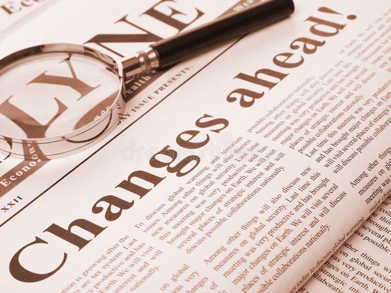 Los cambios a continuación ponen título en periódico fotos de archivo