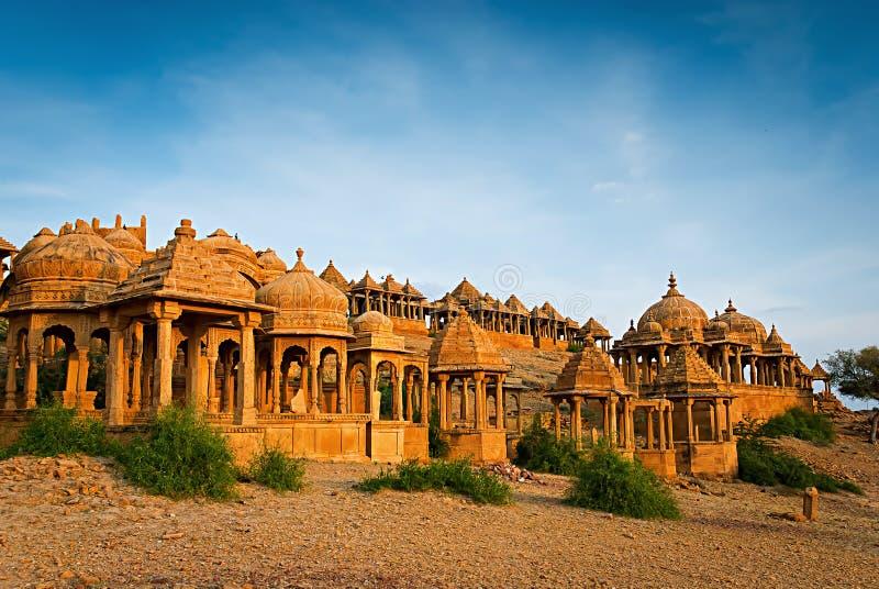 Los cenotafios reales de reglas históricas. Jaisalmer, la India fotografía de archivo libre de regalías