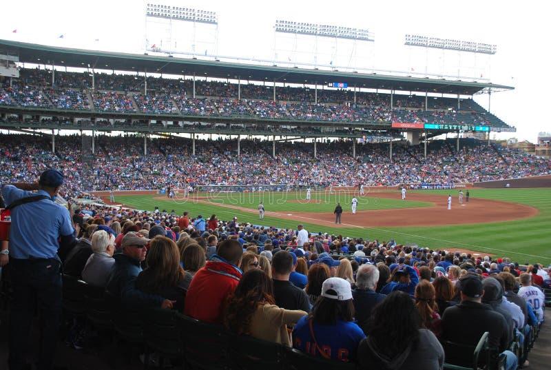 Los Chicago Cubs Wrigley colocan el diamante de béisbol imagen de archivo libre de regalías