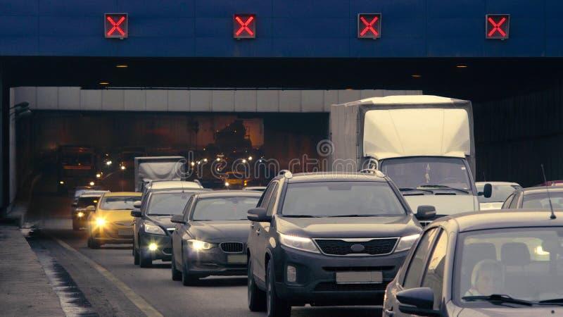 Los coches que salen del túnel foto de archivo libre de regalías