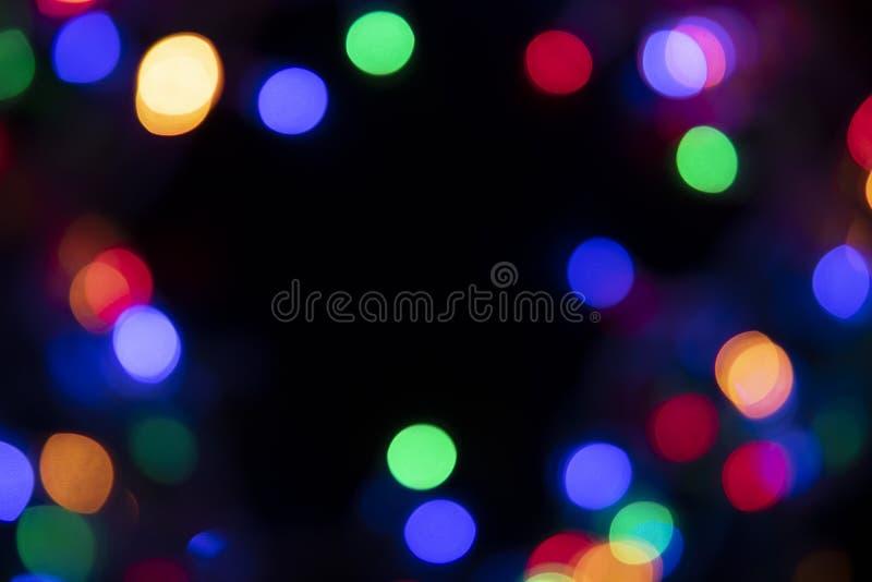 Los colores de las luces están destellando azules, verdes, púrpura y o fotos de archivo libres de regalías
