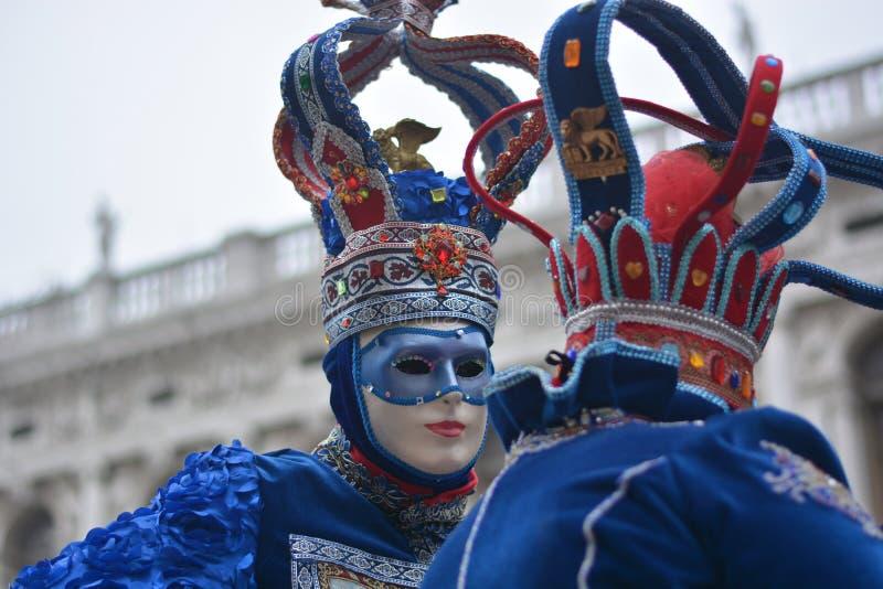 Los colores y la alegría de los días del carnaval imágenes de archivo libres de regalías