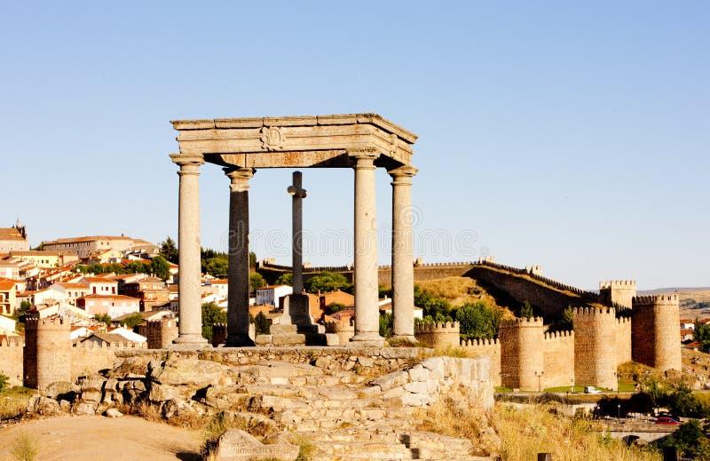 Los-cuatropostes & x28; fyra poles&en x29; , Avila, Castile och Leon, Spa arkivbilder