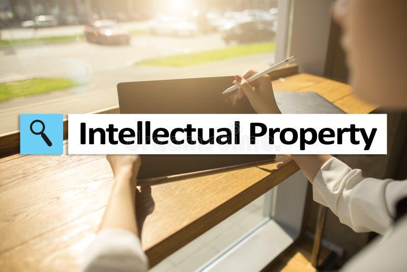 Los derechos de propiedad intelectual patente Concepto del negocio, de Internet y de la tecnología fotografía de archivo libre de regalías
