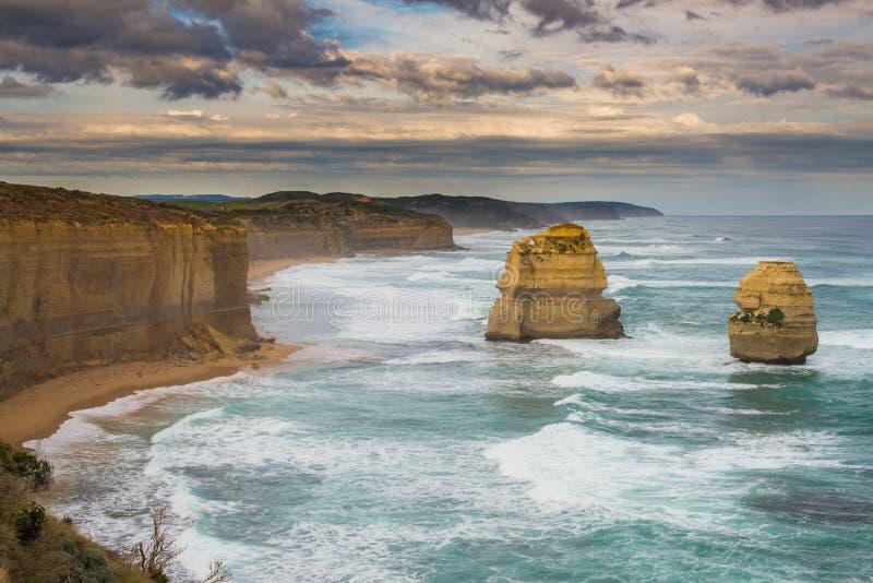 Los doce apóstoles, gran camino del océano imagenes de archivo