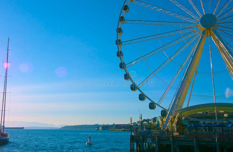 ,/los E.E.U.U. - el AMI 7, 2019, la noria de la gran rueda, una señal icónica de Seattle, Washington en Seattle fotografía de archivo