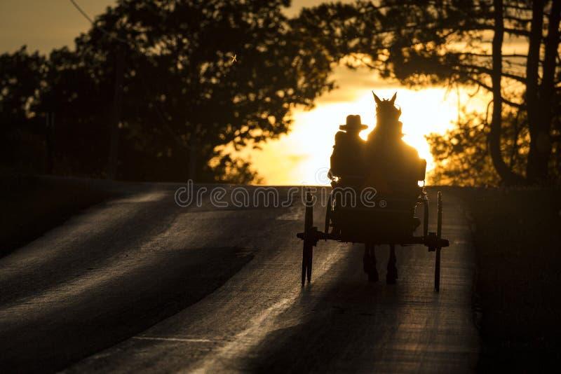 LOS E.E.U.U. - Ohio - Amish fotos de archivo