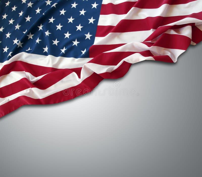 Los E.E.U.U. señalan por medio de una bandera en gris fotografía de archivo libre de regalías