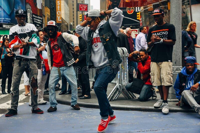 Los ejecutantes de la calle ajustan a veces, New York City fotografía de archivo