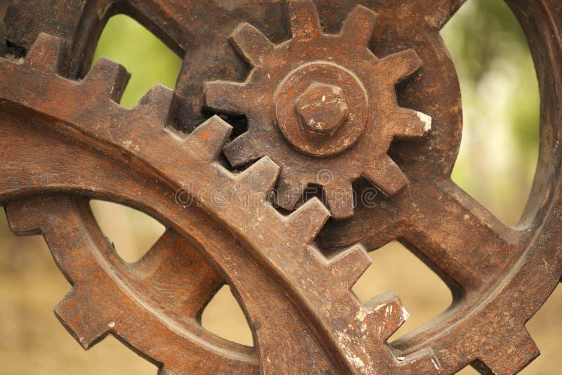Los engranajes en industria permanecen imágenes de archivo libres de regalías