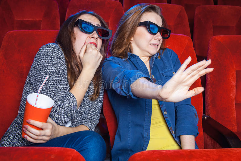 Los espectadores en el cine fotos de archivo libres de regalías