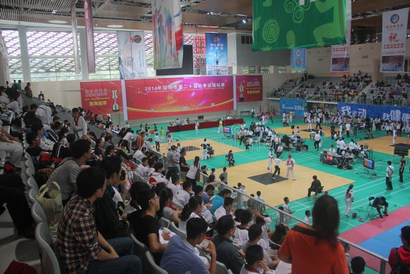 Los espectadores miran el campeonato de Shenzhen el Taekwondo fotos de archivo libres de regalías