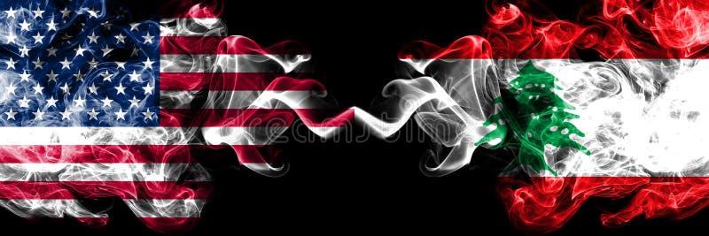 Los Estados Unidos de América contra Líbano, banderas místicas ahumadas libanesas colocadas de lado a lado Banderas sedosas co ilustración del vector