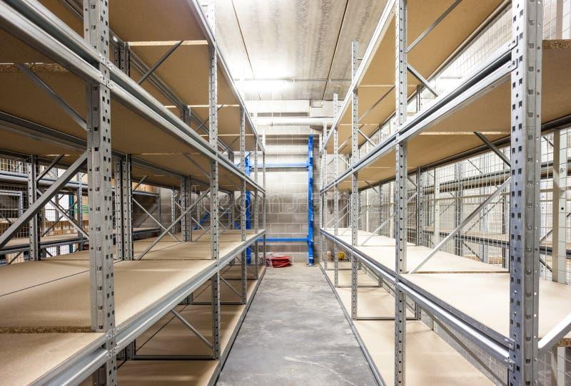 Los estantes del almacenamiento imagenes de archivo