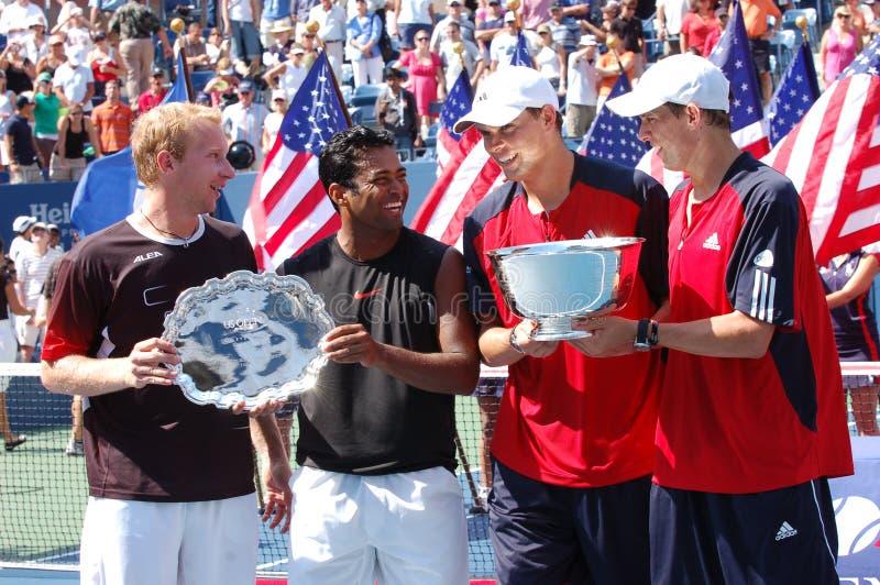 Los ganadores los E.E.U.U. de los dobles de Bryans y de Paes-Dlouhy abren 2008 foto de archivo
