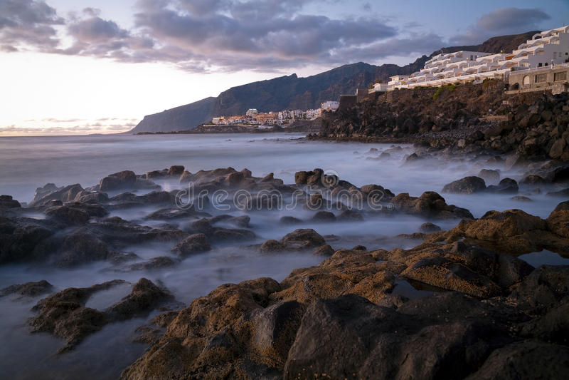 Los Gigantes岩石 图库摄影
