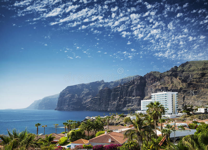 Los gigantes falez punkt zwrotny w południowej Tenerife wyspie Spain obraz stock